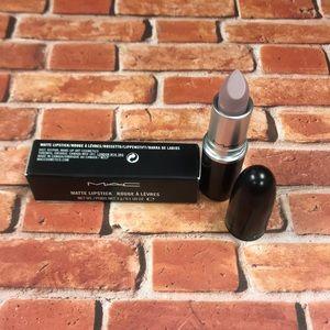 Mac matte lipstick - lazy lullaby
